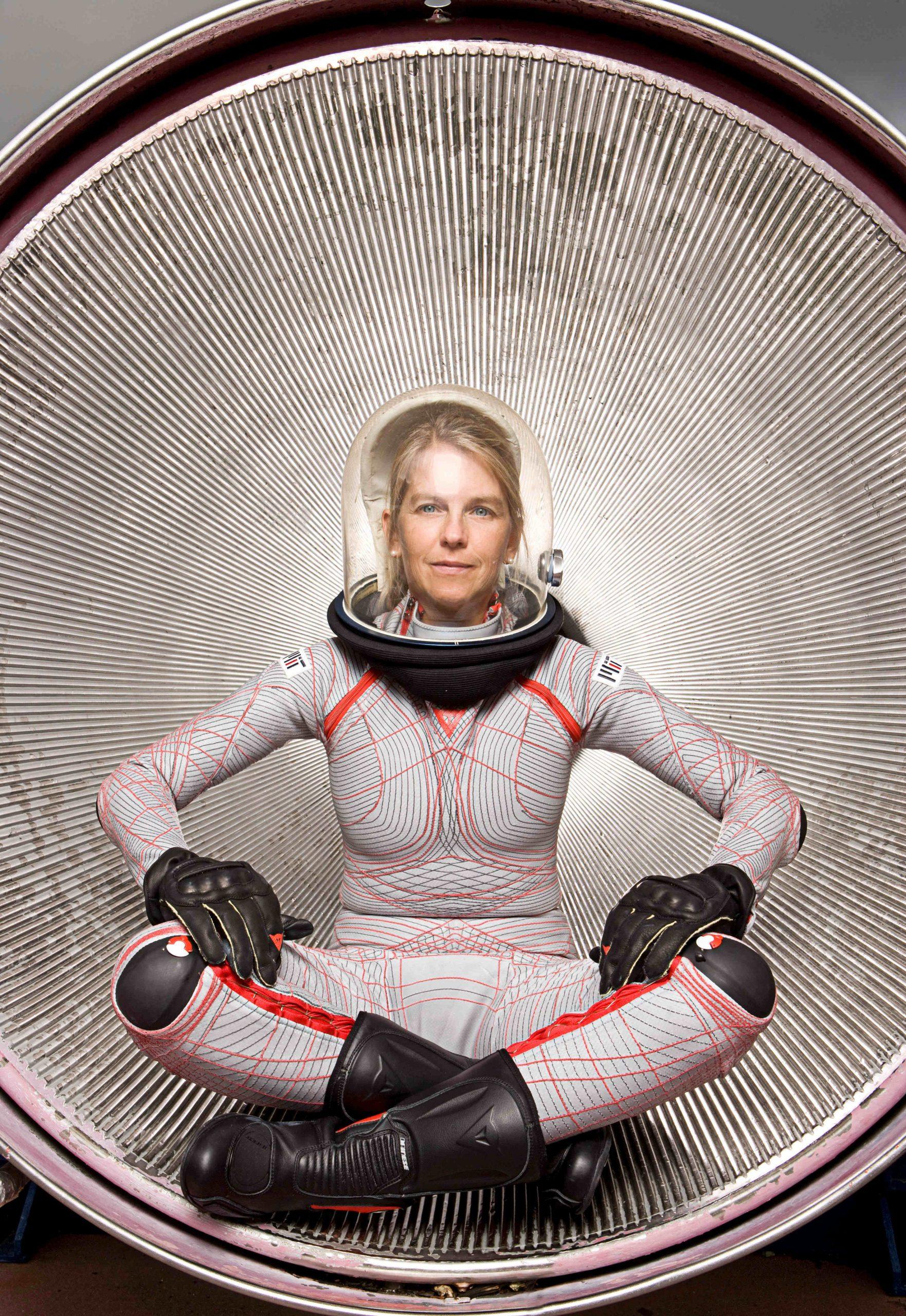 FUTURES-BioSuit-Foto-Professor-Dava-Newman-und-Guillermo-Trotti-k-scaled
