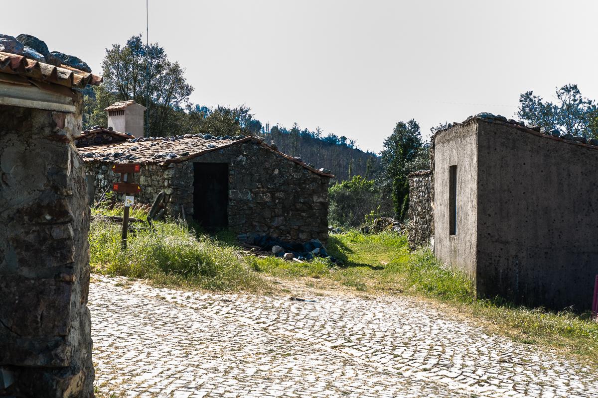 Ferraria-de-São-João_Ziegenställe