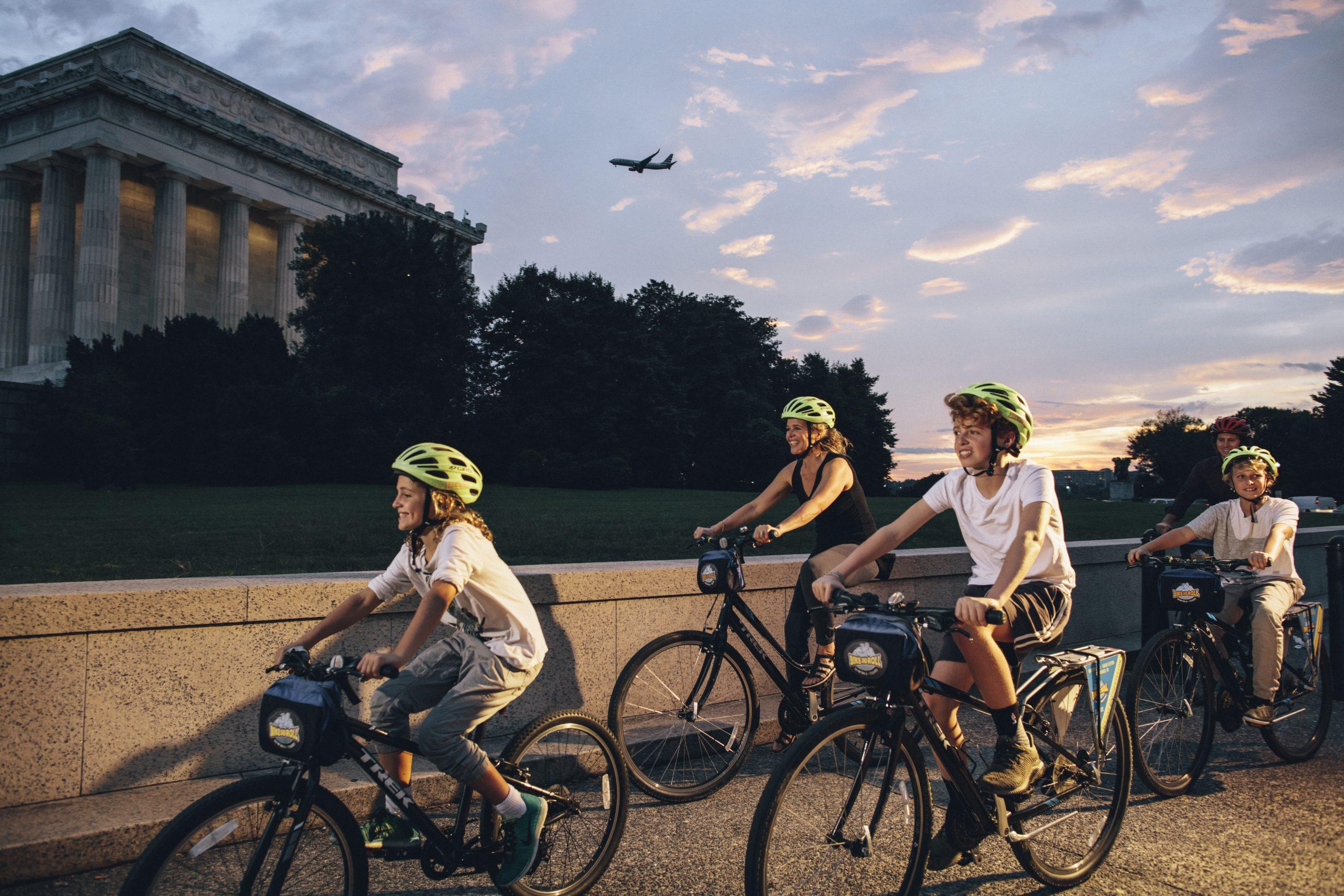 Lincoln-Memorial_Family-aBiking_CREDIT-Washington.org_-scaled
