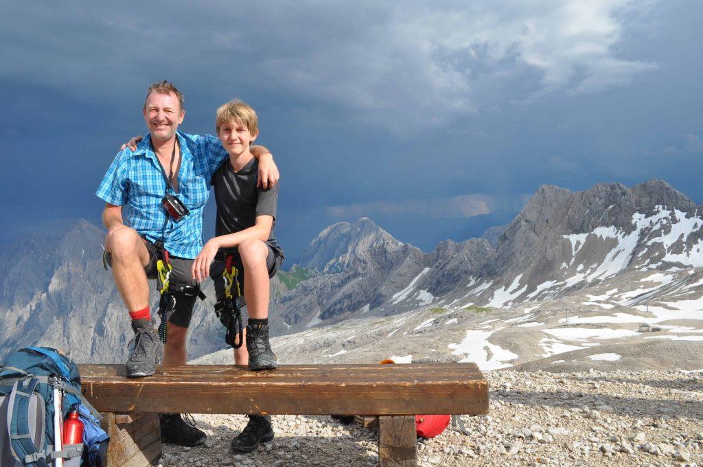 Gerhard von Kapff mit einem seiner Söhne