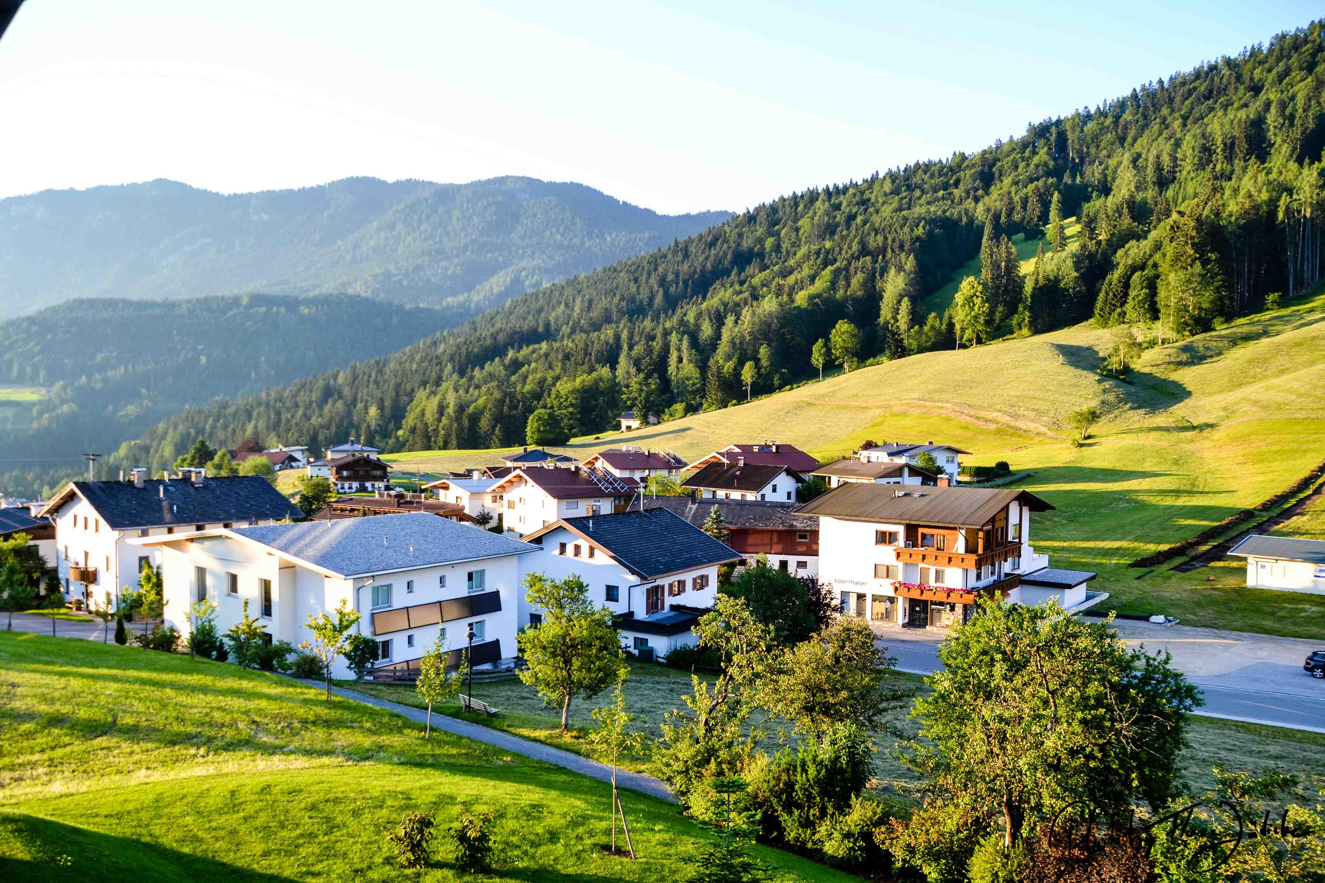 Hinterthiersee liegt auf etwa 900 Höhenmetern auf einem Hochplateau des Thiersee Tals. Foto: Flora Jädicke
