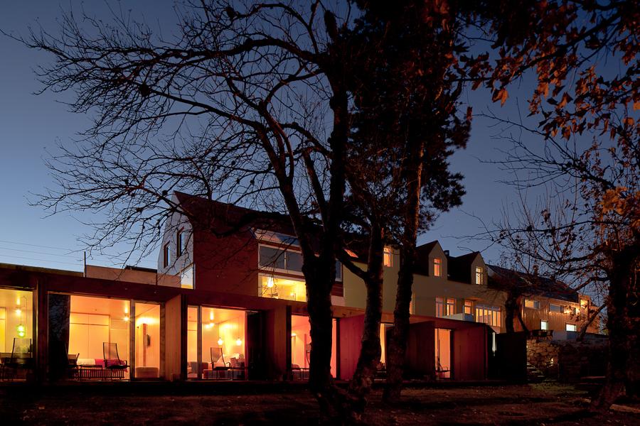 Casa das Penhas Douradas bei Nacht