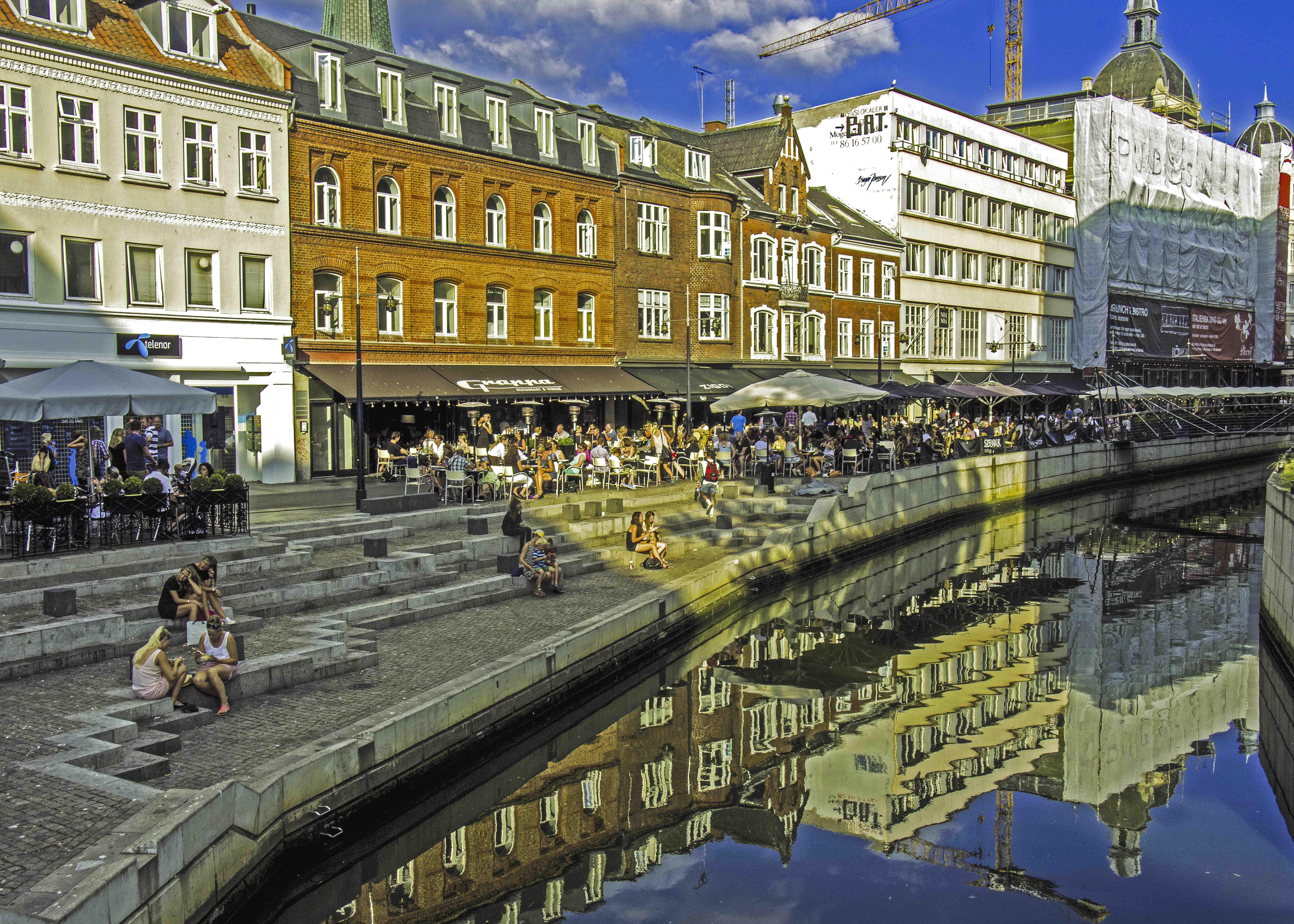 Prachtvolle Stadtkulisse am ≈boulevarden der Stadt Aarhus